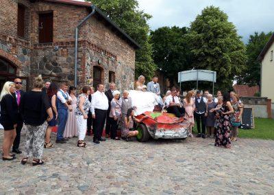 Brautpaar per Stockcar